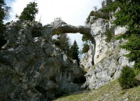 Die Teufelsbrücke von unten